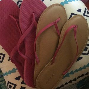Two pairs pink flip flops Old Navy 9